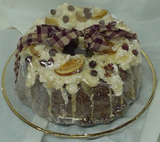 Lisa's bundt bunt cake candle